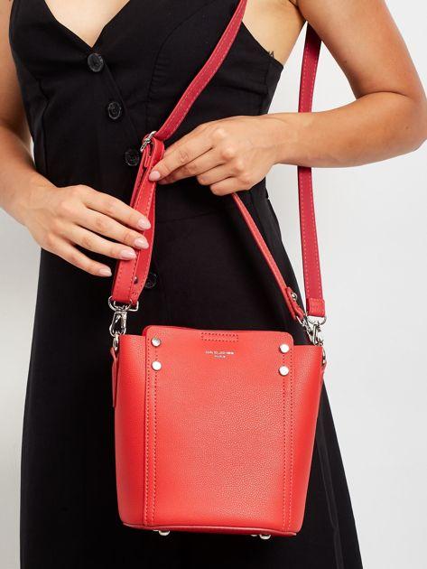 Czerwona torba z odpinanym uchwytem                              zdj.                              1
