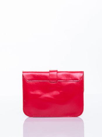 Czerwona torebka listonoszka z klapką                                  zdj.                                  3