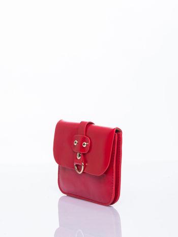 Czerwona torebka listonoszka z klapką                                  zdj.                                  4