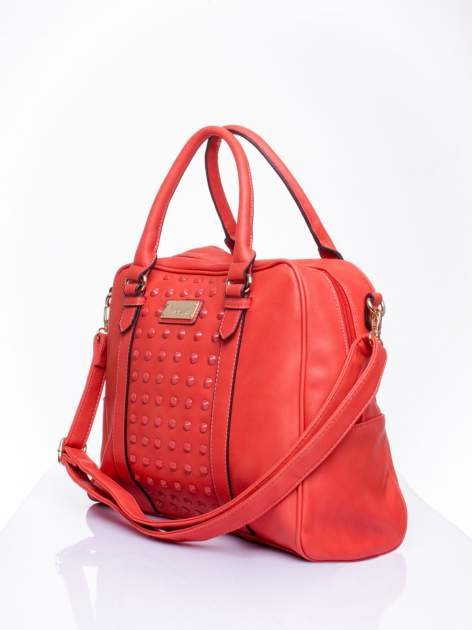 Czerwona torebka miękki kuferek z ćwiekami                                  zdj.                                  3