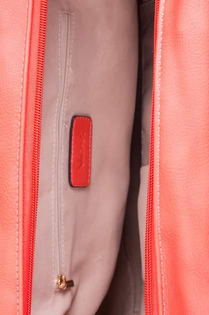 Czerwona torebka miękki kuferek z ćwiekami                                  zdj.                                  5