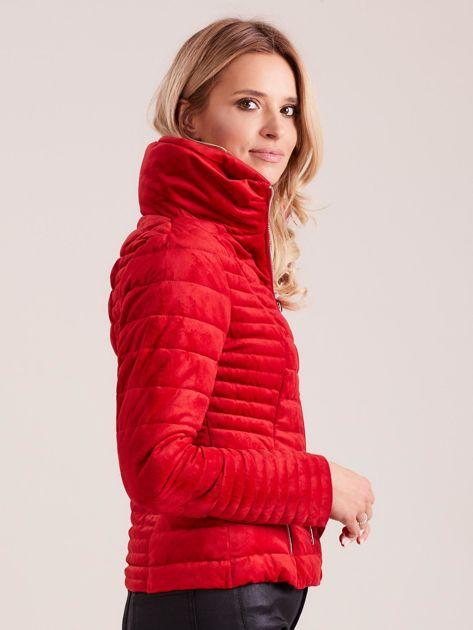 Czerwona welurowa kurtka                              zdj.                              3