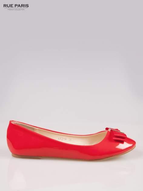 Czerwone błyszczące balerinki faux leather Melanie z kokardką                                  zdj.                                  1
