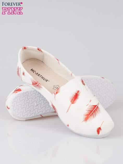 Czerwone buty slipon w piórka                                  zdj.                                  4
