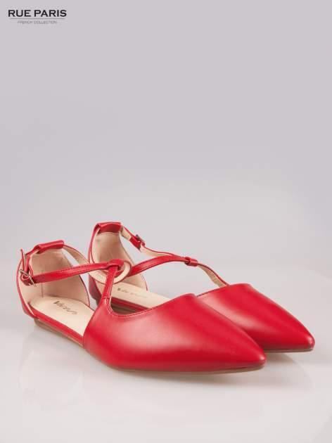Czerwone odkryte baleriny wiązane w kostce                                  zdj.                                  2