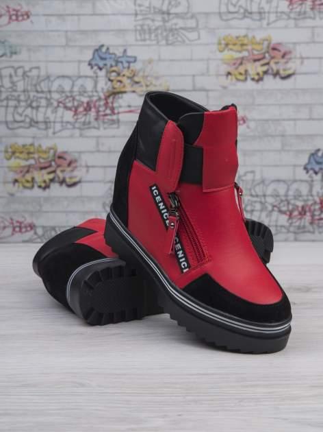 Czerwone skórzane sneakersy Perry z zamszowymi wstawkami i suwakami                                  zdj.                                  3