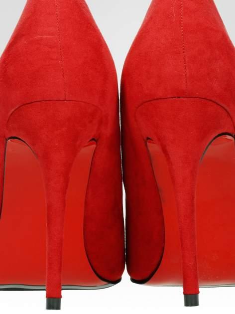 Czerwone szpilki w szpic z zamszu faux suede                                  zdj.                                  7