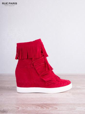 Czerwone zamszowe sneakersy Aravia z frędzelkami na koturnach                                  zdj.                                  1