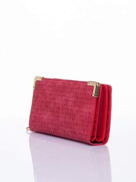 Czerwony ażurowany portfel ze złotymi okuciami                                  zdj.                                  3