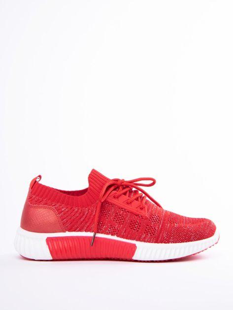 Czerwony buty sportowe Prmavera z błyszczącą nitką                              zdj.                              1