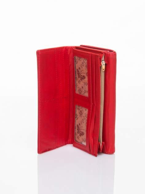 Czerwony portfel z ażurowaniem i plecionką                                  zdj.                                  5