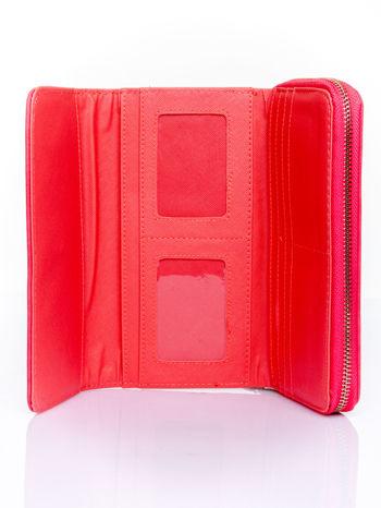 Czerwony portfel z dżetami i ozdobnym zapięciem                                  zdj.                                  4
