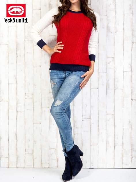Czerwony sweter o szerokim splocie                                  zdj.                                  7