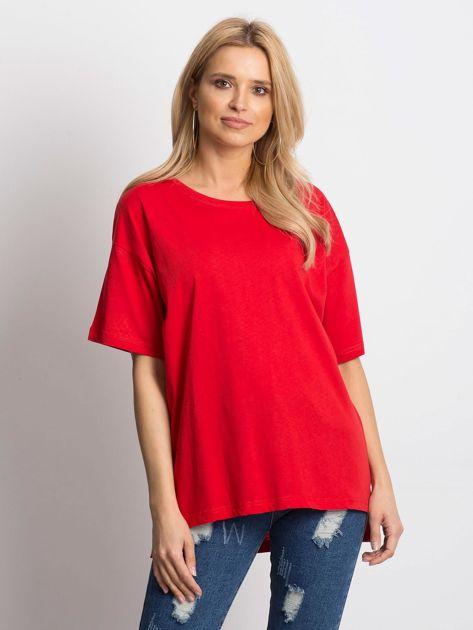 Czerwony t-shirt o luźnym kroju                              zdj.                              1