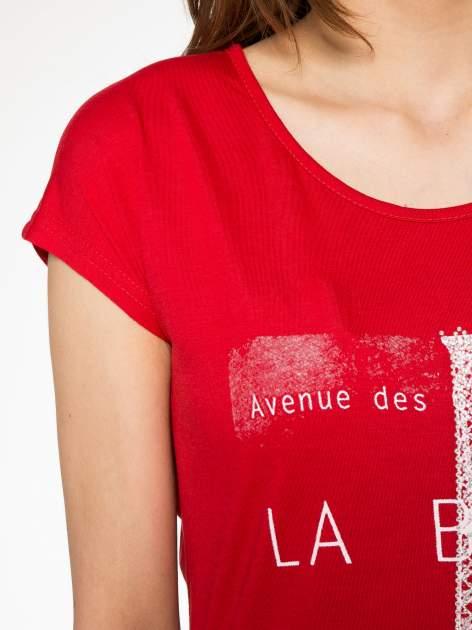 Czerwony t-shirt z motywem Paryża                                  zdj.                                  5
