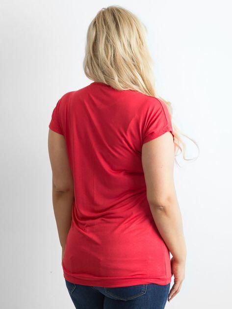 Czerwony t-shirt z nadrukiem PLUS SIZE                              zdj.                              2