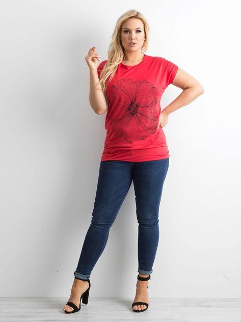 Czerwony t-shirt z nadrukiem PLUS SIZE                              zdj.                              4