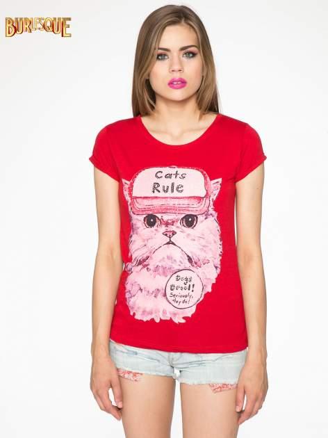 Czerwony t-shirt z nadrukiem kota i napisem CATS RULE                                  zdj.                                  12