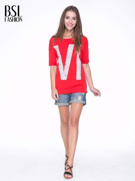Czerwony t-shirt z nadukiem WIBE z przodu i na plecach                                  zdj.                                  6