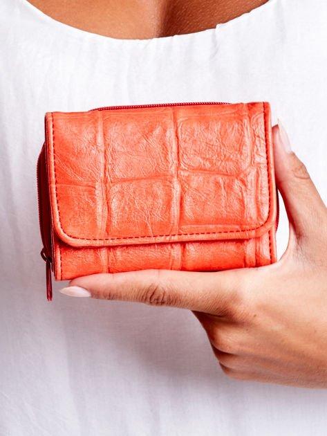 Czerwony tłoczony portfel damski