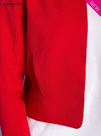 Czerwony żakiet ze skórzaną wstawką                                  zdj.                                  6