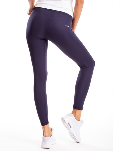 Długie grafitowe legginsy fitness o średniej grubości                                zdj.                              2