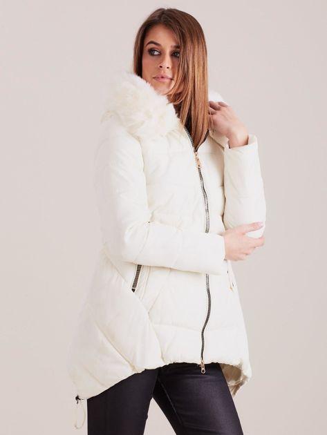 Ecru asymetryczna kurtka zimowa                              zdj.                              3