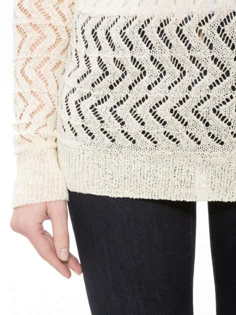 Ecru ażurowy dłuższy sweter                              zdj.                              6