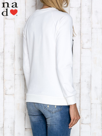 Ecru bluza z dwustronną naszywką z cekinów                                  zdj.                                  4