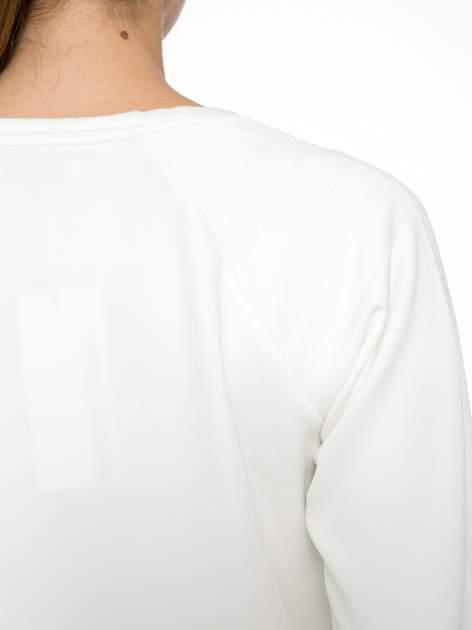 Ecru bluza z nadrukiem galaxy                                  zdj.                                  8