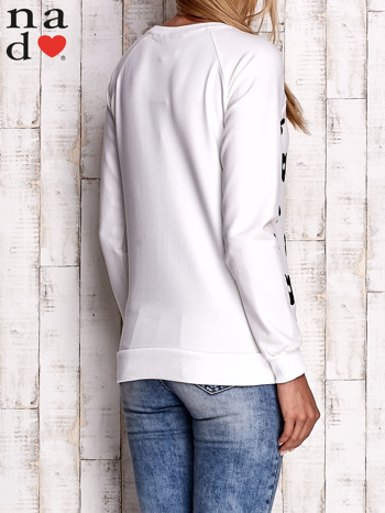 Ecru bluza z nadrukiem kwiatów                                  zdj.                                  4