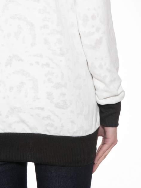 Ecru bluza z nadrukiem wieży Eiffla                                  zdj.                                  8