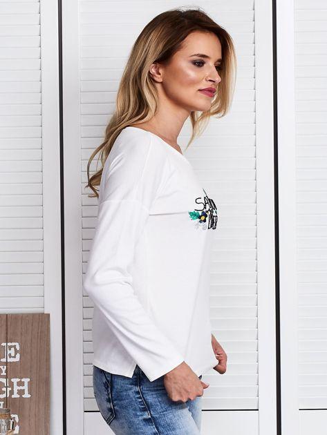 Ecru bluzka z kwiatowym haftem                              zdj.                              3