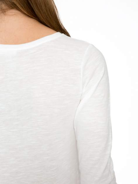 Ecru bluzka z nadrukiem kotka i napisem WHO IS BAD?                                  zdj.                                  8