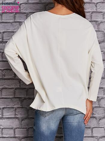 Ecru bluzka z rękawem nietoperz                                  zdj.                                  4
