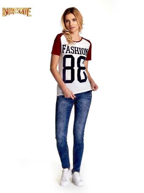 Ecru-bordowy t-shirt z nadrukiem FASHION 88                                  zdj.                                  7