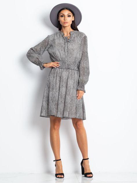 Ecru-brązowa sukienka w cętki                              zdj.                              4
