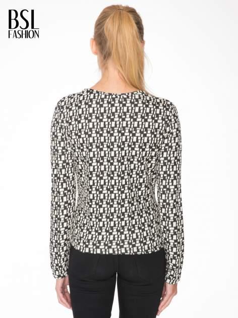 Ecru-czarna bluzka w geometryczne wzory z suwakami                                  zdj.                                  4