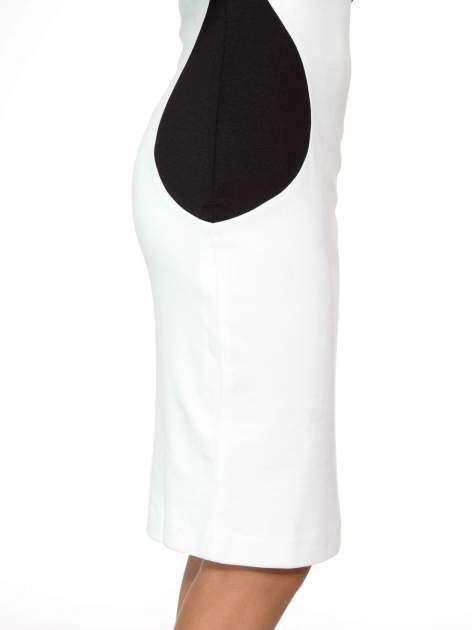 Ecru-czarna sukienka modułowa z zamkiem z tyłu                                  zdj.                                  10