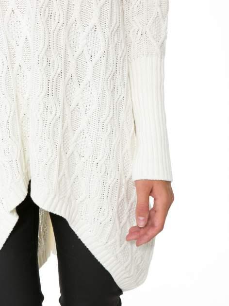 Ecru dziergany długi sweter o kroju oversize                                  zdj.                                  8