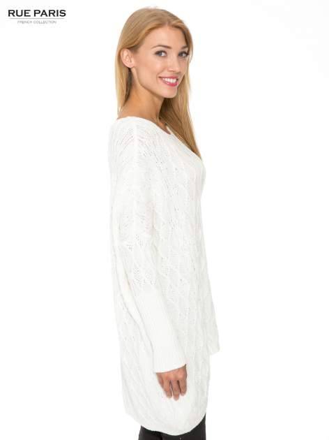 Ecru dziergany długi sweter o kroju oversize                                  zdj.                                  3