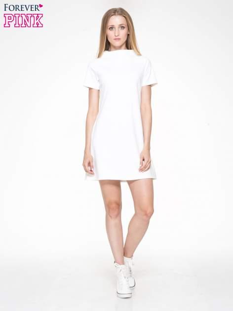 Ecru prosta sukienka z półgolfem                                  zdj.                                  1