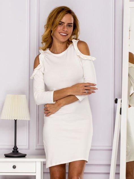Ecru sukienka z wycięciami na ramionach                              zdj.                              1