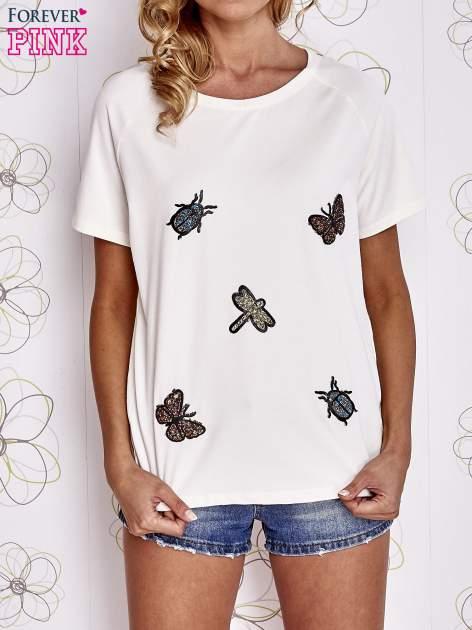 Ecru t-shirt z aplikacją owadów                                   zdj.                                  1