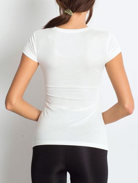 Ecru t-shirt z graficznym nadrukiem                              zdj.                              2