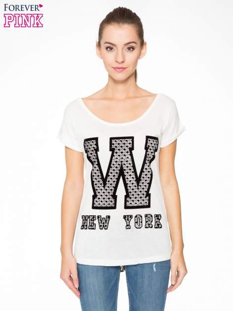 Ecru t-shirt z nadrukiem NEW YORK i koronkowym pasem na plecach