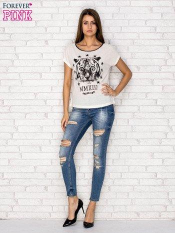 Ecru t-shirt z nadrukiem tygrysa i zipem z tyłu                              zdj.                              2