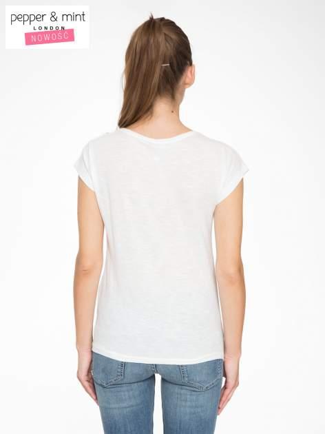 Ecru t-shirt z napisem LOVE z kostek Scrabble                                  zdj.                                  4