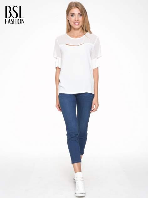 Ecru t-shirt z siateczką i rękawami typu cut out shoulder                                  zdj.                                  5
