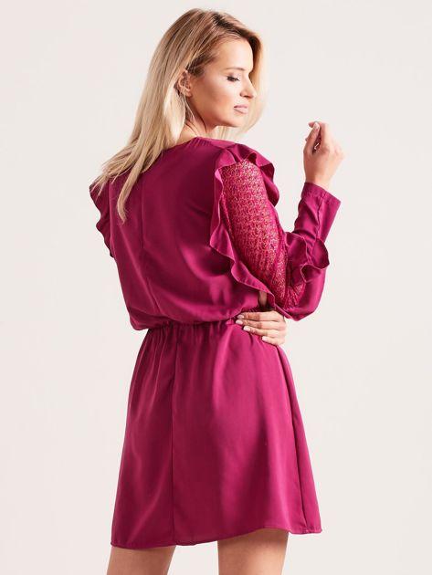 Fioletowa sukienka z falbanami na rękawach                              zdj.                              2
